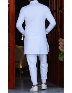 Qamis Court Eminence Blanc-Qaba'il
